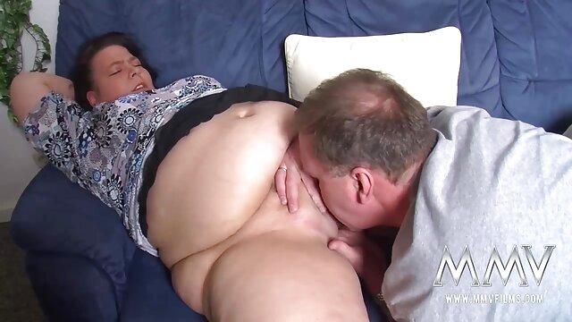 Indiana có một mối sec hay nhat ban quan hệ thân mật với một chàng trai.