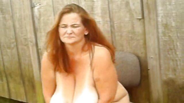 Một đồng một người phụ nữ lớn, wap sex nhat ban những giọt nước mắt quần của mình.
